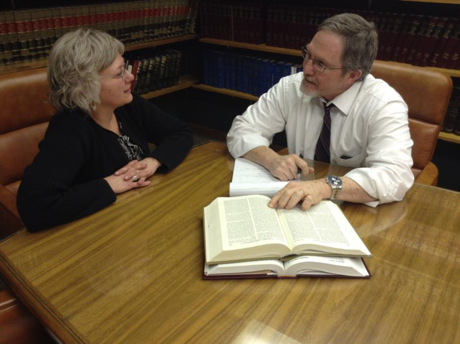 Schaumburg Attorney Robert Kaplan helping client
