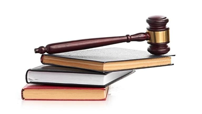 Gavel on top of books | Alimony in Schaumburg IL