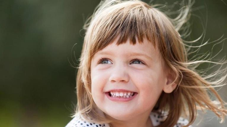 Small Girl smiling | Child Custody Lawyer Schaumburg