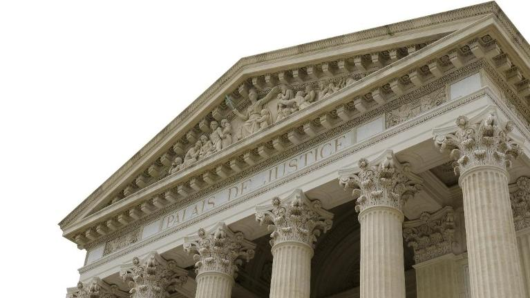 Building with Columns | Social Security and Divorce in Schaumburg